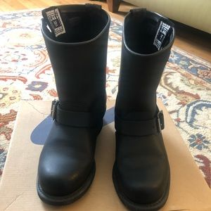 Frye woman's ankle boots